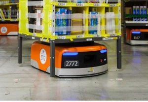 استفاده از ربات برای کار در انبار