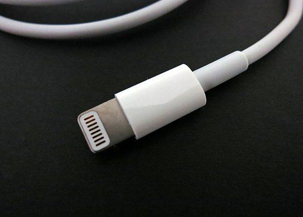 استفاده از کابل شارژ اورجینال و با کیفیت